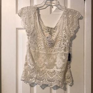 Forever 21 s/s lace white top